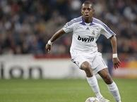 Robinho thể hiện ra sao thời còn khoác áo Real Madrid?