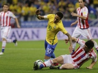 Những cú tắc bóng nhằm vào CR7, Messi, Neymar