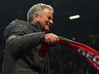 Mourinho khóc như trẻ con khi Man Utd vô địch Europa League