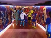 Khi Messi chạm mặt Ronaldo trong đường hầm