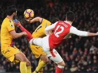 10 siêu phẩm của Arsenal mùa giải 2016/17