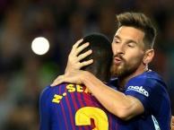 Hàng thủ Eibar không thể cản Lionel Messi