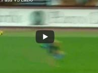 Pha chuyền bóng bằng gót chân kinh điển của Ibrahimovic