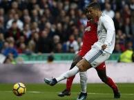 Highlights: Real Madrid 5-0 Sevilla (Vòng 15 La Liga)