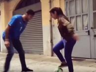Khoảnh khắc Buffon bị một cô gái 'xỏ háng' ngay giữa phố