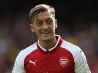 Lí do Wenger giữ chân Ozil thay vì Sanchez