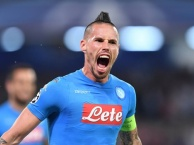 Hamsik có xứng đáng chơi cho một đội bóng lớn hơn Napoli?