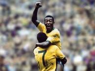 Hậu bối học hỏi kĩ năng chơi bóng của Pele như thế nào?