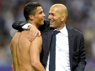 Bản tin BongDa 23/8 | Ronaldo chuẩn bị tái hợp Zidane