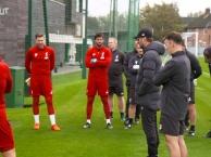Alisson trở lại sân tập của Liverpool