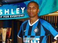 Bài phỏng vấn đầu tiên của Ashley Young ở Inter Milan