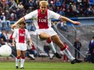 Những bàn thắng đẹp nhất của Dennis Bergkamp cho Ajax