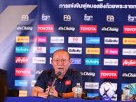 Video thầy Park bóc phốt phóng viên Thái Lan hỏi xoáy ĐT Việt Nam