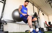 Video Messi tập hồi phục ở Ciutat Esportiva