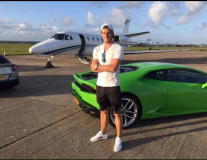 Phong độ tệ hại, Bale vẫn sống thoải mái với tiền lương khủng