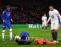 'Lấy thịt đè người', Zouma khiến đối thủ rời sân tức tưởi