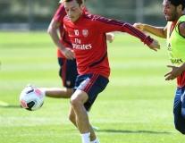 CĐV Arsenal: 'Làm ơn đừng để anh ta đấu với Liverpool'