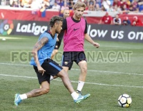 Neymar chăm chỉ tập luyện bất chấp tin đồn ra đi