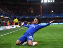 Willian lập 'cú đúp' cột dọc, Chelsea đánh rơi chiến thắng trên sân nhà