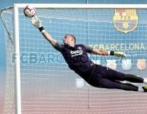 Tích cực thể hiện, Jasper Cillessen quyết tâm bám trụ Barca