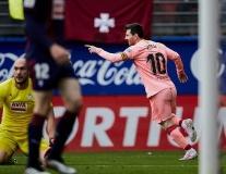 Chốt hạ La Liga bằng cú đúp, Messi đưa ra thách thức với Mbappe
