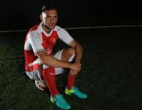 Chùm ảnh: Lucas Perez 'cực ngầu' trong màu áo mới