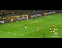 Pha 'vồ ếch' hài hước của Karim Benzema vs Dortmund