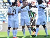Chùm ảnh: Thắng chật vật Sassuolo, AC Milan áp sát top 5
