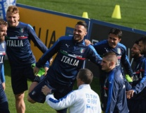 Dàn sao trẻ của Italia phấn khích khi đàn anh nghỉ tập