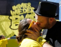 Dortmund nhuộm vàng thành Berlin trước CK cúp Quốc Gia