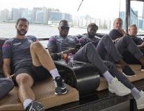 Bentekecực ngầu khám phá Hong Kong