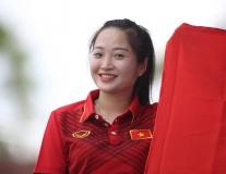 CĐV Việt Nam 'nhuộm đỏ' sân Selayang, U22 Việt Nam sẵn sàng trước giờ G