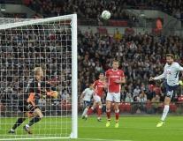 Tottenham 1-0 Barnsley: Llorente ra mắt ấn tượng