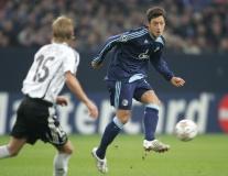 Từ Neuer đến Ozil: Đội hình Schalke cực mạnh nếu giữ chân được các ngôi sao