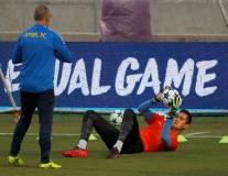 Thủ môn APOEL tập cật lực để khắc chế Harry Kane