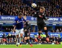 Everton 2-5 Arsenal: Chuông nguyện hồn ai...