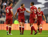 Chấm điểm Liverpool: Salah le lói; Thảm họa Lovren