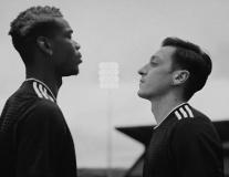 Trước thềm Champions League, Pogba được tặng quà độc