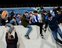 Sợ khán đài đổ sập, CĐV Porto tổ chức 'binh biến'