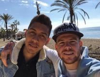 Dàn sao Liverpool sang Tây Ban Nha xả hơi