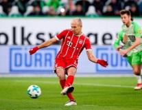 Robben 'miss pen' nhưng anh không gục ngã
