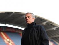 Không Rashford, Pogba, Mourinho âu lo đặt chân đến sân Huddersfield