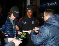Hòa thất vọng, Man Utd vẫn được chào đón tại quê nhà