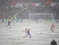 MU, Liverpool gặp khó vì tuyết rơi dày dịp cuối tuần