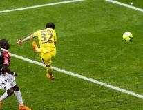 Lần đầu của Alves giúp PSG thắng 9 trận liên tiếp