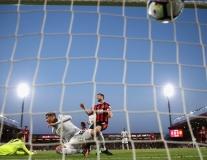 Thắng Bournemouth, CĐV gọi Smalling là 'Ramos nước Anh'