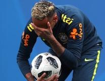 SỐC: Neymar đau đớn bỏ tập, nguy cơ nghỉ hết World Cup