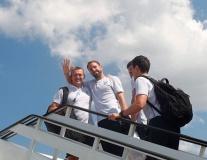 Đội tuyển Anh về nước trong sự yên bình