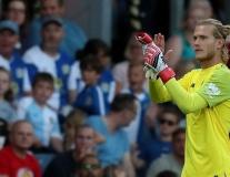 Liverpool thắng trận thứ 3, Karius vẫn không thể gượng cười