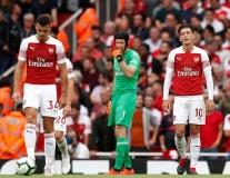 Phản ứng cho thấy Ozil không nên có tên trong đội hình chính của Arsenal